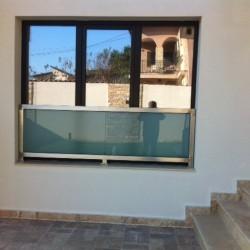 40.Balustrada din inox cu geam