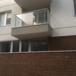 42.Balustrada din otel si geam