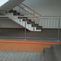 43.Balustrada din inox cu mana curenta dubla