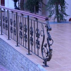 21. Balustrada din fier forjat