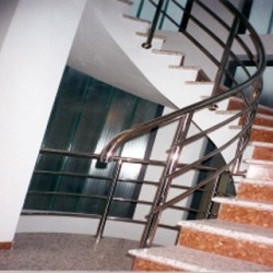 05. Balustrada din inox in spirala