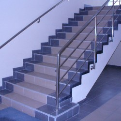 11. Stainless steel handrail