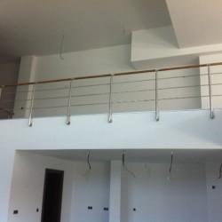 34.Balustrada din inox cu lemn